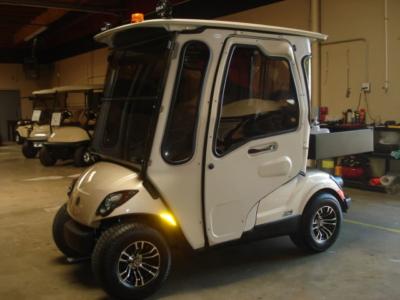 Yamaha 2 passenger utility golf cart